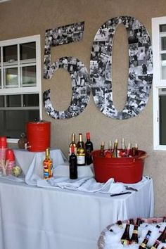 Eine große 50 aus Fotos basteln als Deko zum Geburtstag You are in the right place about wedding parties makeup Here we offer you the most beautiful pictures about the wedding parties suits you 50th Birthday Party Ideas For Men, Birthday Decorations For Men, Moms 50th Birthday, 70th Birthday Parties, 50th Party, 50th Birthday Themes, 25th Anniversary Parties, 50th Birthday Centerpieces, Fiftieth Birthday