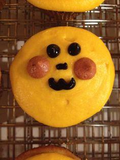 pikachu cupcakes, no ears but still kinda cute