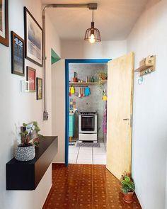 Achei legal a borda da porta ser colorida! o que acha?