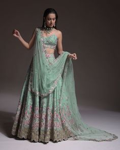 Latest Bridal Trends By Kalki Fashion That We Are Gushing Over