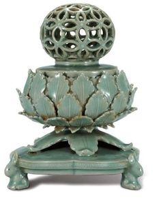 korean porcelain in 12c 고려 청자 투각 칠보문 향로