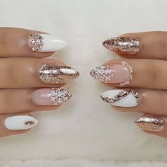 Popular Ideas of Christmas Nails Designs To Try in 2019 - Christmas Nail Art Designs Xmas Nails, Holiday Nails, Fun Nails, Pretty Nails, Holiday Mood, Xmas Nail Art, Chrostmas Nails, Goth Nails, Nail Art Rhinestones