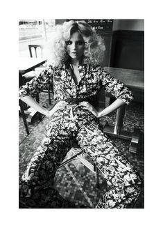 Magdalena Frackowiak by Claudia Knoepful & Stefan Indlekofer for Vogue Russia April 2012 #LivingInStyle