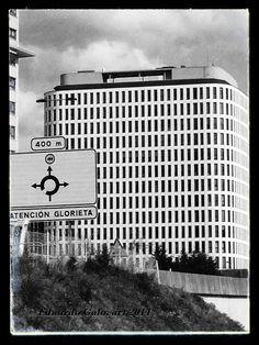 Edificio de viviendas del PAU de Navia diseñadas por estudio vigués de arquitectura J.A.S.C Arquitectos. Año 2010.