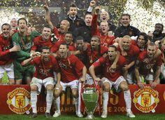 Champions of Europe - Manchester United Manchester United Champions, Manchester United Images, Manchester United Football, Football Team Pictures, Manchester United Old Trafford, Fifa, Man Utd Fc, Sir Alex Ferguson, Premier League Champions