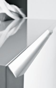 | DETAILS | Pianca | Segno casegoods (detail) - seamless integrated door detail