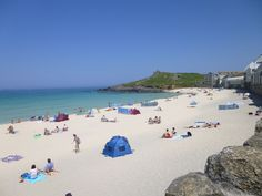 Just a perfect beach. St Ives Cornwall, Devon And Cornwall, Cornwall England, Holiday Places, Seaside Towns, Far Away, Dolores Park, Scenery, Bucket