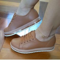 Amazing Comfortable Platform Shoes from 41 of the Awesome Comfortable Platform Shoes collection is the most trending shoes fashion this season. This Comfortable Platform Shoes look related to… Pretty Shoes, Cute Shoes, Me Too Shoes, High Heel Boots, Shoe Boots, High Heels, Sneakers Fashion, Fashion Shoes, Cute Womens Shoes