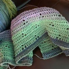 Baby blanket, Blanket, Baby afghans, Dk yarn, Lion brand yarn, Crocheted item - A blog post showing my progress Olga Poltava's free pattern, Bunny Tracks Baby Blanket It's an easy pattern for tho - #Babyblanket