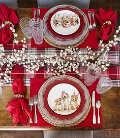 Southern Living Holiday 3 Lab Dogs Accent Salad Plate, Set of 2 Christmas Table Settings, Christmas Tablescapes, Christmas Table Decorations, Holiday Tables, Decoration Table, Centerpiece Ideas, Thanksgiving Table, Tree Decorations, Gingerbread Christmas Decor