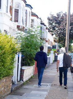 Sabes cuando entras, pero nunca cuando sales #Molyvade...#viaje #London #NottingHill #Carnaval molyvade.blogspot.com