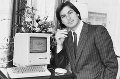 Steve Jobs -- R. by donna Woah! He was really handsome back in the day. Bill Gates Steve Jobs, Steve Wozniak, Apple Ii, Kaizen, All About Steve, Steve Jobs Apple, Apple Picture, Apple Products, Poses