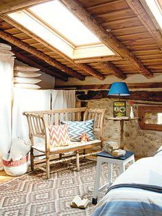 colorful-rustic-cottage-home-interior-14.jpg 600×800 pixels