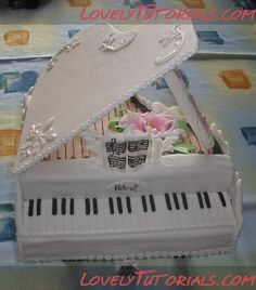 piano cake step by step