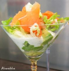 Recipe of Verrine avocado-smoked salmon - Trend Cocktail Recipes 2019 Seafood Recipes, Appetizer Recipes, Cooking Recipes, Healthy Recipes, Healthy Food, Salmon Avocado, Fresh Avocado, Avocado Toast, Antipasto