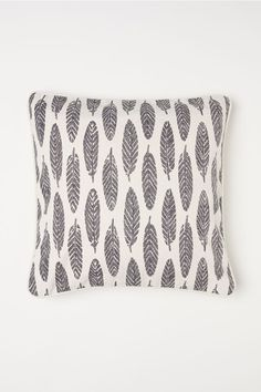 Patterned Cotton Cushion Cover - Natural white/feathers - Home All Cushion Cover Pattern, Cushion Covers, Throw Pillow Covers, Living Room Pillows, Bed Pillows, Cushions, Scandinavian Pillows, H&m Home, White Feathers