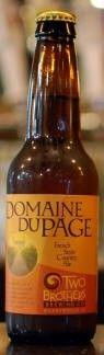 Cerveja Two Brothers Domaine DuPage, estilo Biere de Garde, produzida por Two Brothers Brewing Co, Estados Unidos. 5.9% ABV de álcool.