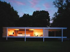 Farnsworth House by Mies Van de Rohe, I visited this house too, great!