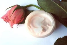 Natural Beauty Health Tips: Natural Homemade Face Cream - chrySSa beauty Be Natural, Natural Face, Natural Skin Care, Natural Beauty, Ponds Cold Cream, Facial Steaming, Cream For Dry Skin, Peeling, Homemade Beauty Products