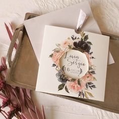 Discover recipes, home ideas, style inspiration and other ideas to try. Diy Wedding Invitation Kits, Wedding Favors, Wedding Decorations, Original Wedding Invitations, Shabby Chic Wedding Invitations, Wedding Invitation Inspiration, Wedding Souvenir, Rustic Invitations, Floral Invitation