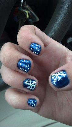 Snowflake DIY nails. Way cool for winter~!