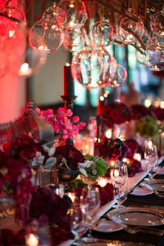 Super extravagant tablescape at this rock 'n' roll wedding...