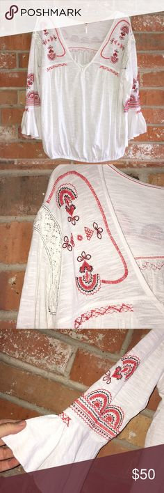 """Boho Style Peasant Top By Free People Size L EUC This top is so cute and comfy. It's very soft and 100% Cotton. No flaws. No yellowing. It measures 23"""" underarm to underarm and is 26"""" long. I love the design!! Get this while you can!!💜💜 Free People Tops Blouses"""