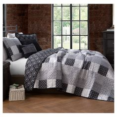 The Gray Barn Ermine Black and White Quilt Set (Queen) (Microfiber, Patchwork) Black Queen, White King, Quilt Sets Queen, Shabby, Twin Quilt, King Quilt Bedding, King Size Quilt, Linen Bedding, Quilted Bedspreads