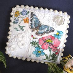 Shabby chic fabric brooch with vintage lace and embroidery £5.00