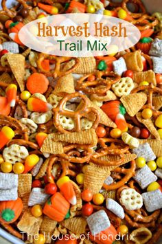 Hash - Halloween Trail Mix Delicious Harvest Hash Recipe - perfect for a Fall Snack, Halloween party, or gift for a neighbor.Delicious Harvest Hash Recipe - perfect for a Fall Snack, Halloween party, or gift for a neighbor. Fete Halloween, Halloween Goodies, Halloween Desserts, Halloween Food For Party, Halloween Birthday, Halloween Kids, Halloween Appetizers, Halloween Hash, Fall Appetizers