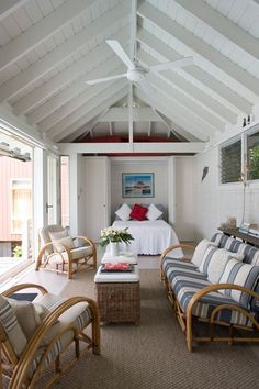 Charming and classic coastal-inspired indoor-outdoor pool house living room. Beach Cottage Style, Coastal Cottage, Coastal Style, Modern Cottage, Modern Coastal, Modern Country, Pool House Interiors, Pool House Decor, Pool House Bathroom