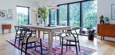 Billeder af Funkis huse - Se de mange muligheder i Funkis husene Dining Chairs, Dining Table, Interior, Inspiration, Furniture, Home Decor, Biblical Inspiration, Dining Chair, Indoor