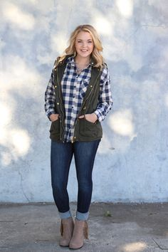 Town and Country Plaid Top - Navy and Ivory
