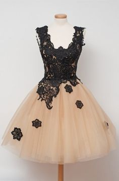 Cute Square Knee-Length Champagne Homecoming Dress with Black Lace Appliques