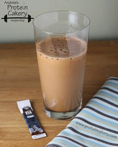 shake to gain muscle powder Mocha Frappe Protein Shake ¾ cup ice 1 cup filtered water 1 packet Starbucks Via instant coffee 1 scoop of your favorite natural chocolate protein powder or scoops of Sun Warrior Classic Chocolate Protein Powder Protein Shake Cup, Natural Protein Shakes, Chocolate Protein Shakes, Protein Power, Protein Shake Recipes, Protein Pack, Protein Foods, Muscle Protein, Chocolate Chocolate
