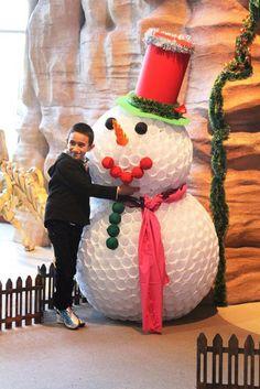 Faire un bonhomme de neige avec des gobelets en plastique tutoriel noel pinterest - Faire un bonhomme de neige avec des gobelets ...
