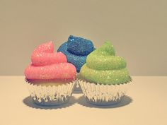 sparkly cupcakes - These would be great for a girls birthday party or baby shower.