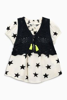 Bring the star out of your little lady with this CUTE ensemble! Perfect for those little birthday parties!