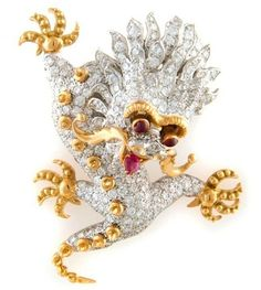 Brooch circa 1968 by Donald Claflin for Tiffany & Co. depicts a Chinese dragon with pave diamonds and rubies for eyes. I Love Jewelry, Fine Jewelry, Jewelry Design, Jewelry Box, Antique Jewelry, Vintage Jewelry, Dragon Jewelry, Jewelry Showcases, Tiffany Jewelry
