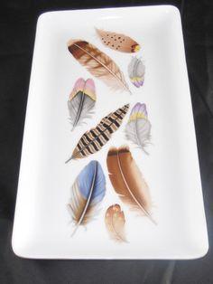 Vintage Otigiri Porcelain Plate Feather Dish por SusieSellsVintage