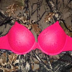 VS PINK leopard lace push up bra 34DD❤️ Gorgeous bra with push up padding. Size 34DD, wore once! PINK Victoria's Secret Intimates & Sleepwear Bras