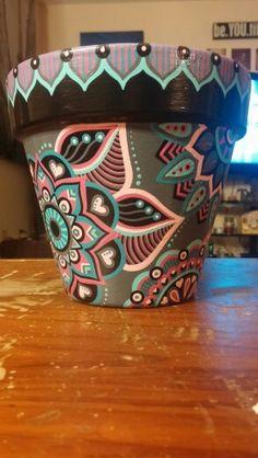 Clay Pot Crafts, Rock Crafts, Diy Home Crafts, Painted Plant Pots, Painted Flower Pots, Pottery Painting Designs, Pottery Art, Vasos Vintage, Decorated Flower Pots