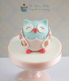 {This little Owl would make a darling cake topper. It is from The Clever Little Cupcake Company}
