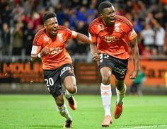 Benjamin Moukandjo Bilé (Douala, Camerún, 12 de noviembre de 1988), futbolista camerunés. Juega de delantero y su actual equipo es el FC Lorient de la Ligue 1 de Francia.