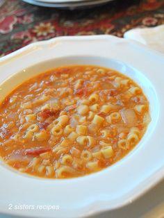 Easy pasta fagioli soup authentic pasta e fagioli Italian Soup Recipes, Pasta Recipes, Cooking Recipes, Italian Dishes, Pasta Fagioli Recipe, Pasta Fagioli Crockpot, Creamy Pasta, Homemade Pasta, Soup And Salad