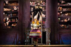Una stagione che propone importanti titoli del repertorio operistico accanto ad una novità assoluta, un progetto innovativo che porterà sulla scena l'opera lirica ETTORE MAJORANA. Cronaca di infinite scomparse.