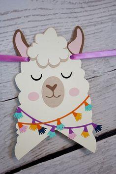 New diy baby shower decorations ideas tassel garland Ideas Diy Baby Shower Decorations, Birthday Decorations, Birthday Banners, Birthday Invitations, Alpacas, Baby Llama, Cute Llama, Baby Motiv, Llama Birthday