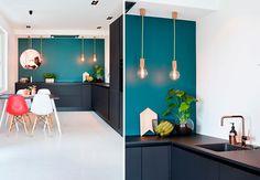Blå vegg på kjøkkenet, fargen Fusion fra Jotun