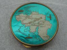 """Vintage WW II """"Belgique"""" Souvenir Powder Compact"""