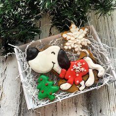 Набор 4️⃣ 350 руб Размер коробочки 15*11 Собака отдельно 200 руб Заказы на новогодние наборы принимаю до 01.12.17, выдача после 15.12.17. Если вам будут нужны раньше, пишите заранее. Большие заказы строго по предоплате. Все вопросы и оформление заказа, только через моб.телефон 89057322318 #cookies#sugarcookies#decoratedcookies#royalicing#icing#имбирноепеченье#пряники#подарокженщине#букет#cookie#gallets#подаркидетям#сладкийподарок#сладкийсувенир#своимируками#sweet#instafood#имбирныепр...